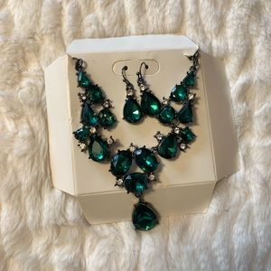 Jewelry - FREE Necklace with Green Jems